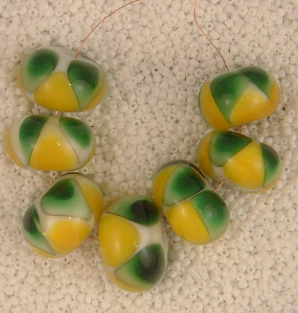 Green and yellow triangles set